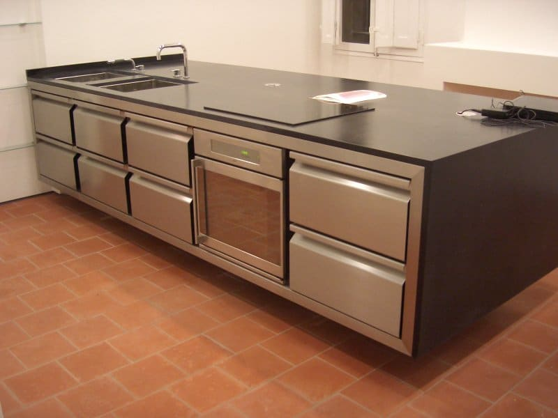 amazing luinox with cuisine plan de travail inox. Black Bedroom Furniture Sets. Home Design Ideas